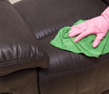 curatare canapea piele